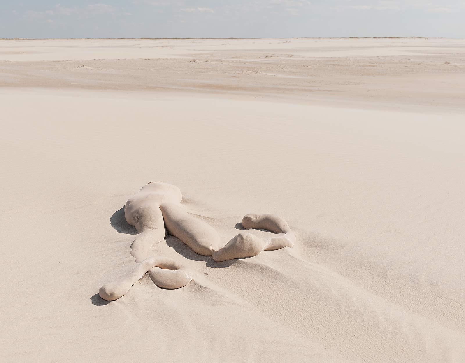 fabian_matz_2017_shaped_bodies_sand_polyamide_tights_02