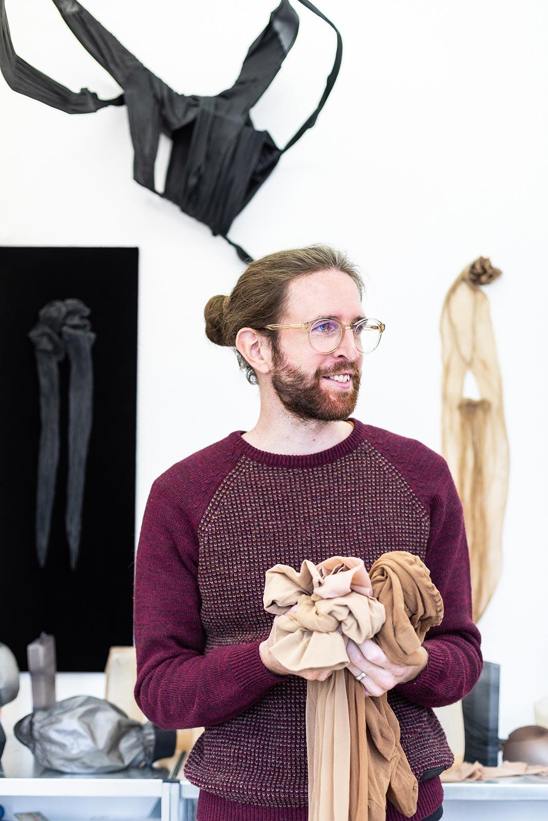 Porträt Fabian Matz im Atelier