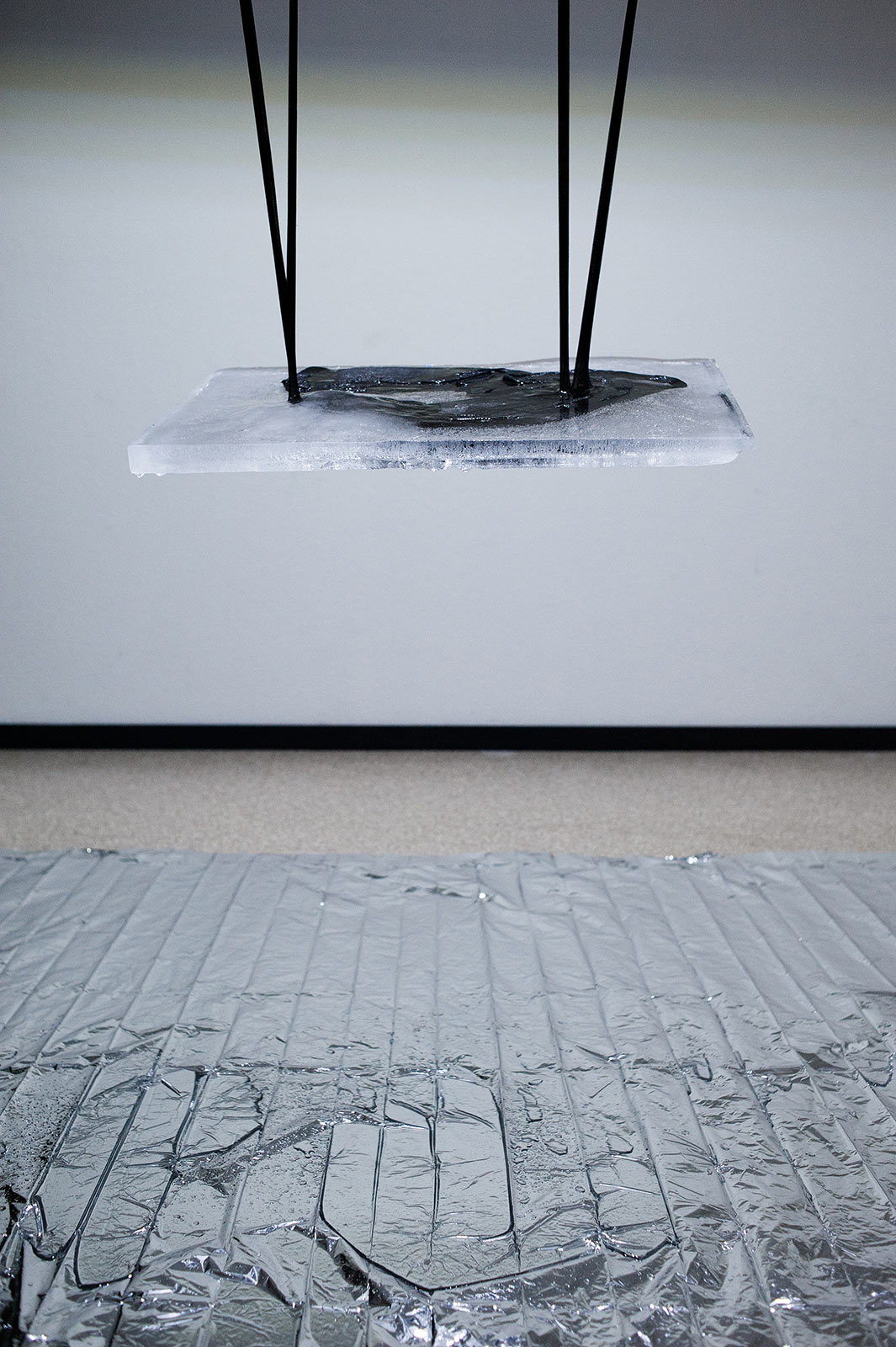 fabian_matz_2021_even_if_you_are_upside_down_studio_install_2_detail_2
